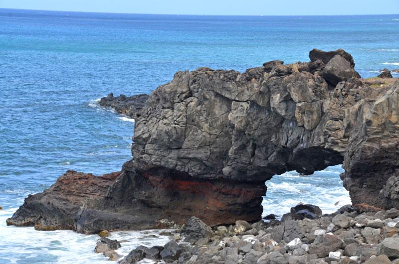 カエナポイントの洞窟のような岩場