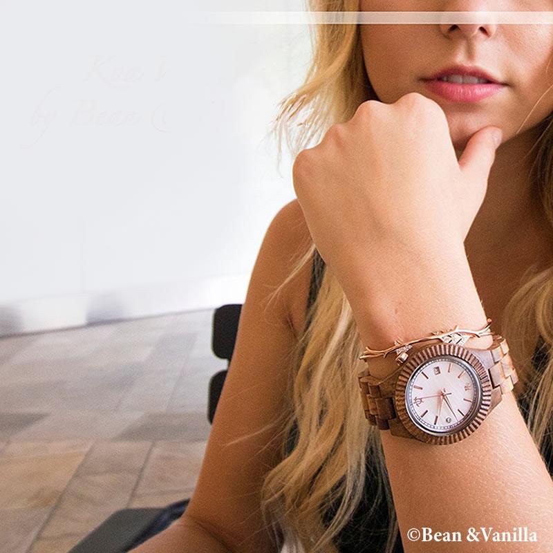 ハワイの木製腕時計ビーン&バニラのウォッチの着用例レディース