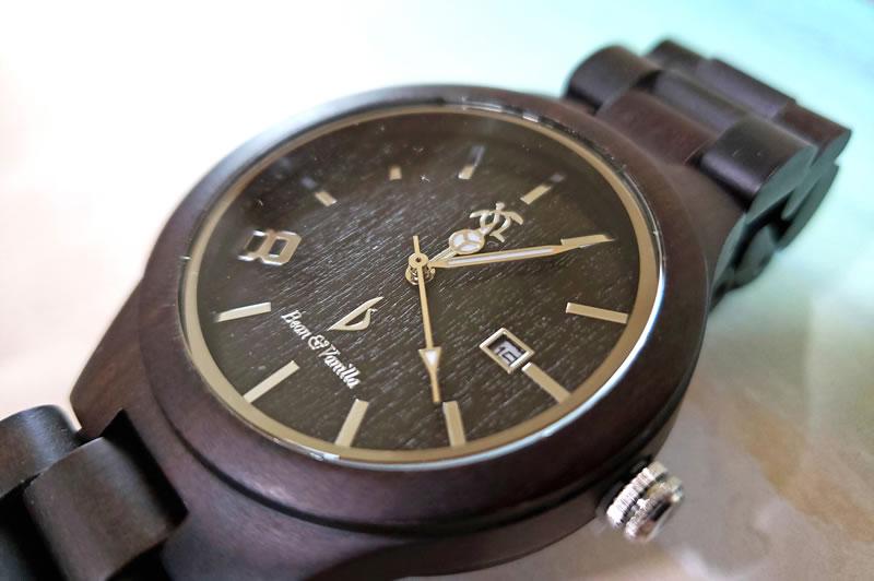ブラック・サンダルウッドの腕時計
